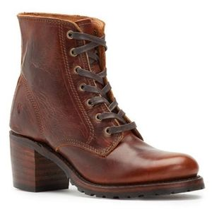 New Frye Sabrina 6G Lace up Boots 11